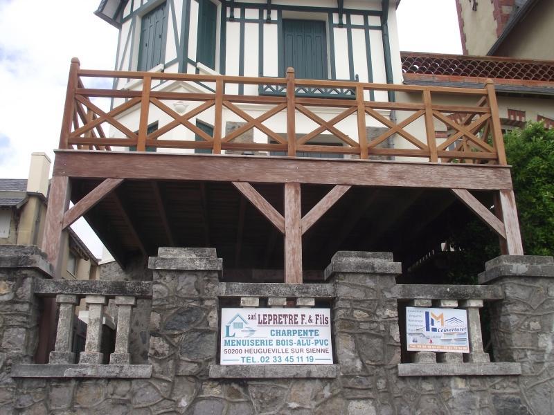 Terrasse et garde-corps en bois